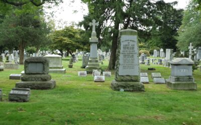 Grindstolpen – goes to New York – The Woodlawn Cemetery